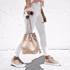 Taking my new @hielevencom bag for a walk.  #hielevencom #eyebuydirect #axelarigato
