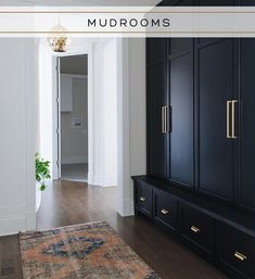 Home Decor Industrial Mudroom builtins that cover up the mess! (Thats a piece of black honed granite as the seat too - great for dirty shoes - Home Decor Industrial Mudroom builtins that cover up the mess - Mudroom Cabinets, Mudroom Laundry Room, Mud Room Lockers, Built In Cabinets, Interior Minimalista, Bedroom Black, Bedroom Vintage, Home Interior, Interior Ideas
