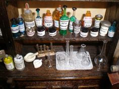 Miniatures Community Gallery : Compounding Bench Inside a 1:12 Scale Model Apothecary Shop