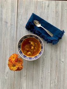 If you are anything like me, when you feel a cold developing you reach for a cup of hot soup. Have you ever wondered if drinking soup actually helps kick the cold to the c… Sources Of Zinc, Blueberries Nutrition, Bone Soup, Beef Bones, Beta Carotene, Beef Recipes, Main Dishes, Healthy Eating, Cold