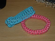 Bracelets using rubber rings to make them stretchy. Using a 4 - 1 pattern and a box pattern Rubber Rings, Box Patterns, Chainmaille, Medieval, Bracelets, How To Make, Jewelry, Jewlery, Jewerly