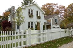 Just look at what beautiful greek revival farmhouse house plans, perfect combination between a light wooden beams and a modern style in the construction of the house Farmhouse Landscaping, Home Landscaping, Style At Home, Greek Revival Architecture, Colonial Architecture, Greek Decor, Greek Revival Home, Farmhouse Remodel, Exterior Remodel