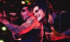 M.Shadows/Synyster Gates. Syn's face <3