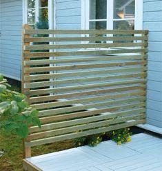 Bilderesultat for høye gjerder Garden Screening, Back Patio, Fence, Condo, Backyard, Outdoor Structures, Pergola, Architecture, House Styles