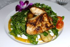 Lightly Blackened Florida Grouper over Arugula.. Healthy and so easy. Order Black ‪#‎Grouper‬ from Francesca's and enjoy overnight Free Delivery! http://www.floridaseafood.com/florida-black-grouper/