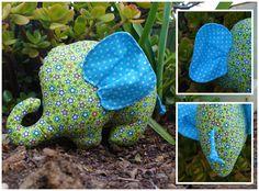 Um elefante muito querido, feito todo em tecido =) O molde é da nossa autoria.    A beloved stuffed elephant, all made of fabric =) The pa...