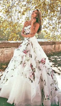 36 Ultra-Pretty Floral Wedding Dresses For Brides Wedding floral wedding gown - Wedding Gown Floral Wedding Gown, Wedding Dresses With Flowers, Colored Wedding Dresses, Dream Wedding Dresses, Wedding Gowns, Flower Dresses, Nontraditional Wedding Dresses, Wedding Dresses Non Traditional, Wedding White