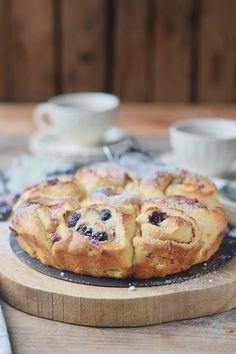 Cheesecake Schnecken mit Himbeeren und Blaubeeren  (3)