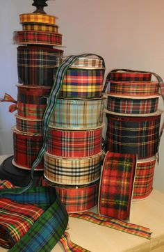 tartan ribbons so pretty for wrapping Christmas gifts Scottish Plaid, Scottish Tartans, Scottish Highlands, Harris Tweed, Style Anglais, Tartan Christmas, Christmas Gifts, Christmas Wrapping, Gingham