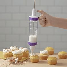 Wilton Dessert Decorator Plus Icing Dispenser - Gadgets and Gizmos Budget Baby Shower, Baby Boy Shower, Baby Showers, Decorating Tips, Cake Decorating, Opening A Bakery, Marimo Moss Ball, Birthday Cupcakes, Baby Shower Decorations