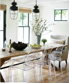RUE MAGAZINE dining room