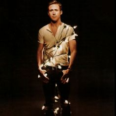 There Be Light! 20 Festive Holiday Light Ideas Ryan Gosling Wrapped in Christmas Lights: I'll just leave this here.Ryan Gosling Wrapped in Christmas Lights: I'll just leave this here. Ryan Gosling, Stephen Amell, Look At You, Just For You, Dear Photograph, All I Want For Christmas, Merry Christmas, Christmas Lights, Dia Del Amigo