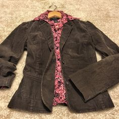 "Old Navy ✨ Chocolate Corduroy Jacket Beautiful jacket from Old Navy. Chocolate brown and pretty pink lining. Great quality. Gently worn, maybe twice. Size Medium -  approximate  measurements below.   22.5"" Length 37.5"" Bust fully buttoned (but stretchy) 24"" Sleeve length  Shell: 98%Cotton, 2% Spandex Fully Lined w/ Polyester & Spandex Machine washable Pet free/smoke free - Clean Home!   I consider offers through the offer feature, or bundle 2 items to save $$!  Old Navy Jackets & Coats…"