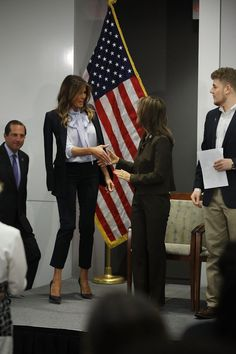 First Lady Melania Trump was business chic in a black suit and ice blue pussy bow blouse for a speech about cyberbullying. Business Chic, Business Outfits, Business Women, Business Attire, Business Fashion, Milania Trump Style, Formal Chic, First Lady Melania Trump, First Ladies