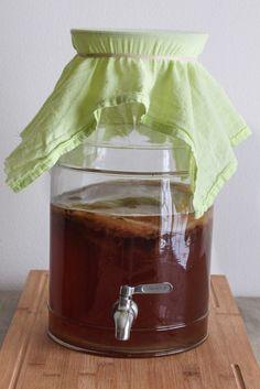 Homemade continuous brew kombucha