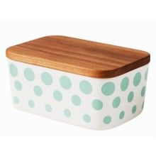 HELBAK Revy Butterbox Mint  --- Butterbox from Helbak's collection Revy.This butterbox features fun decorative dots in one colour around the entire box. The butterbox comes with a timber lid made of Oak. Dimensions: H: 6.5 x 14 x 9.7cm. Fits a regular sized butter.Every product is decorated by hand and therefore unique. A personal touch or a slight variation to the image may occur.