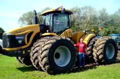 Big Tractors, Vintage Tractors, Boy Toys, Toys For Boys, Heavy Equipment, Caterpillar, Agriculture, Construction, Tools