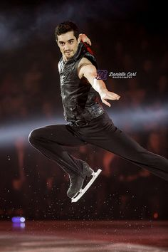 Javier Fernandez - Skate Niagara Ice Show Figure Skating Olympics, Figure Skating Outfits, Yuzuru Hanyu Javier Fernandez, Male Figure Skaters, Ashley Wagner, Dancing Figures, Ice Show, Medvedeva, Ice Skaters
