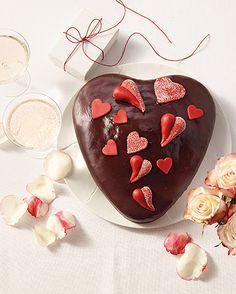 Ein leckerer Schoko-Kuchen für den oder die Liebste zum Valentinstag.
