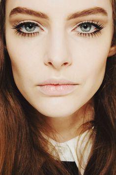 Gucci Fall 2014 runway beauty Fall Make up trends by Blush&Beyond Makeup Trends, Beauty Trends, Makeup Tips, Eye Makeup, Hair Makeup, Beauty Lash, Beauty Make-up, Beauty Secrets, Beauty Hacks