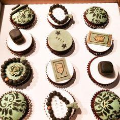 #umrah cupcakes in #gold, #green & #black