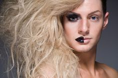 These drag queens photographs by photographer Leland Bobbe called Half-Drag. These particular photographs of drag queens are all from NYC, and they are part of a non-commercial project. Drag Queens, Alter Ego, Drag Queen Makeup, Drag Makeup, Rupaul, Burlesque, Make Up Artist Ausbildung, Drag King, Power Of Makeup
