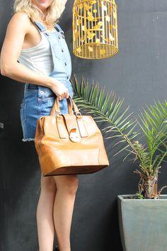https://marketplace.asos.com/listing/bags/large-tan-leather-doctors-bag/456941