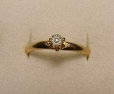 Vintage Size 9 Faux Diamond Gold Tone Ring FREE Shipping!