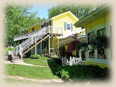 1875 Homestead Bed and Breakfast  Nashville, Indiana  (Brown County)