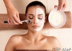<p>Yoğurt ve karbonat maskesi: Yoğurt cildi bakterilerden arındırırken karbonatta cildi beyazlatarak normal rengine dönmesini sağlar. Yoğurt ve karbonattan oluşan yüz maskesi cildinizin canlı ve aydınlık görünmesini sağlar.</p>