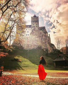 Count Dracula Castle In Romania - Travel tips - Travel tour - travel ideas Best Places In Europe, Best Places To Travel, Places To See, Transylvania Castle, Transylvania Romania, Travel Tours, New Travel, Shopping Travel, Budget Travel