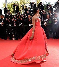 Oscar de la Renta's Most Breathtaking Fashion Moments