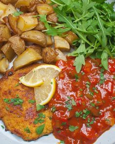 Zelf zigeunersaus maken Organic Recipes, Ethnic Recipes, Vegetable Dishes, Love Food, Veggies, Food And Drink, Cooking Recipes, Yummy Food, Stuffed Peppers