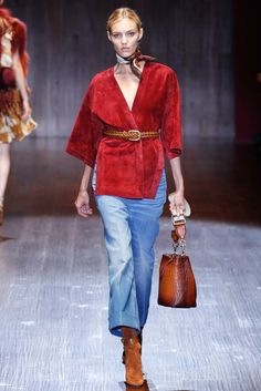 Anja Rubik for Gucci spring/summer 2015 collection - Milan fashion week Runway Fashion, Spring Fashion, Fashion Show, Fashion Outfits, Womens Fashion, Fashion Design, Fashion Trends, Milan Fashion, Fashion 2015