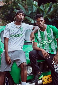 Soccer Photography, Fashion Photography, Classic Football Shirts, Jersey Outfit, Football Fashion, Nike Fashion, Black Models, Mode Style, Sportswear