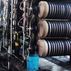 Believed to be the best method for dying yarn, Rope Dyeing is a process of twisting denim threads into rope and repeatedly dip & oxidize them.