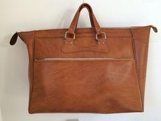 Vintage brown leatherette seventies weekender, travelingbag or shoppingbag door MORETHANVINTAGENL op Etsy