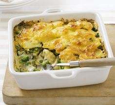 Cheesy broccoli pasta bake - Yum!  Can't wait to make this!