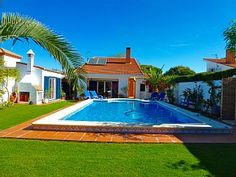 Rental in Chiclana de la Frontera from Villas, Cadiz, Home And Away, Spain, Explore, Outdoor Decor, Holiday, Travel, Bathroom