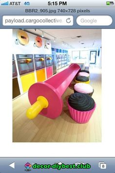 Note: when I get my bakery I want chairs like this to teach kids to bake. Bakery Decor, Bakery Interior, Cafe Interior Design, Bakery Design, Bakery Cafe, Cafe Design, Store Design, Bakery Ideas, Cute Bakery