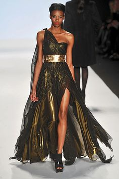 I can not die without having this dress. It is so gorgeous. Emilio Sosa