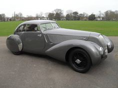 Bentley 4 1/4 Litre Pourtout Style Fixed Head Coupe (1939)