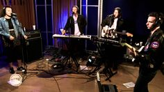"""Jungle performing """"Busy Earnin'"""" Live on KCRW"""