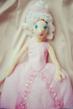 Creative dress up doll for girls. You can change her hair easily. You can cut her hair too. Elisabeth, Cinderella, Etsy Shop, Disney Princess, Trending Outfits, Disney Characters, Unique Jewelry, Handmade Gifts, Vintage