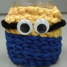Kätyrikynäpurkki pilttipurkin ympärille sormivirkkaamalla, 1lk. Kuva ja vinkki: Riikka Piltonen Crafts To Do, School, Crochet, Minis, Ganchillo, Crocheting, Knits, Chrochet, Quilts