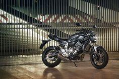 Top 10: Nakeds racionais Yamaha Motorbikes, Yamaha Motorcycles, Cars And Motorcycles, Custom Motorcycles, Yamaha Fz 07, Yamaha Sport, Sport Bikes, Yamaha Engines, Sr500