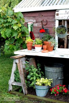 17 perfectly charming garden sheds gardens wire baskets and cottages