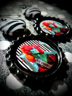 Miss Argentina earrings by LttleShopOfHorrors...LOVE