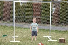 PVC Backdrop Stand - Just add some fabric and it's perfect for a photo shoot! (20 PVC Pipe Ideas to Use Around the House)