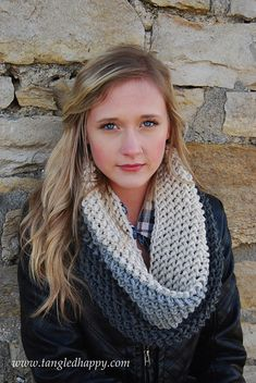 Ravelry: Chunky Color Block Cowl pattern by Sara Freisberg